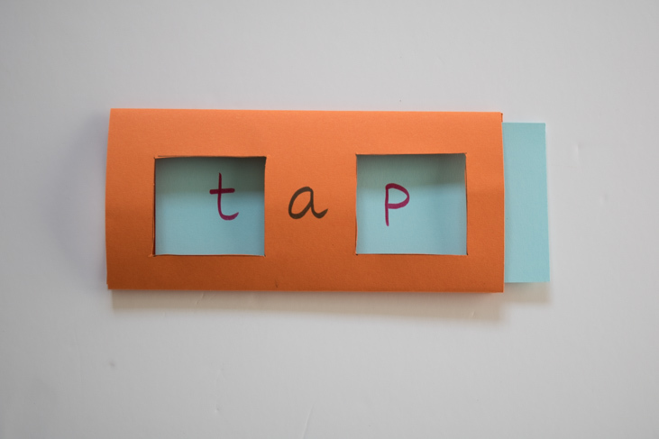 tap another 3 letter cvc word to make in week 1 phonics when learning to read