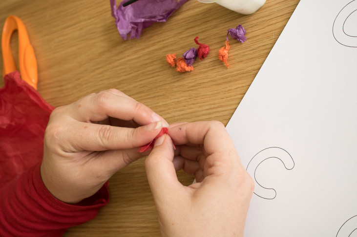 step by step guide to making tissue paper sensory letters wth kids-1