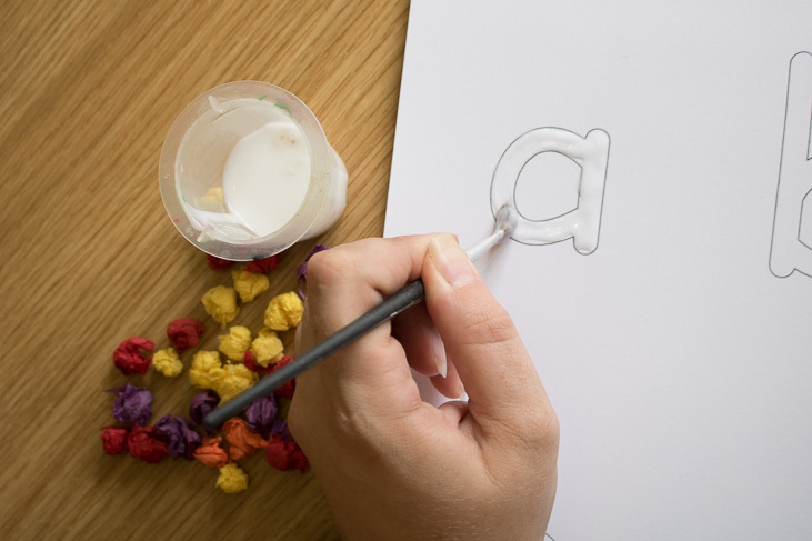 step by step guide to making tissue paper sensory letters wth kids-2