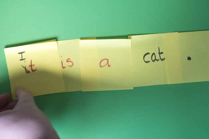 Teaching your child to read HFW using post-it notes.